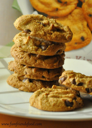 Tates-Bake-Shop-Peanut-Butter-Chocolate-Chip-Cookies