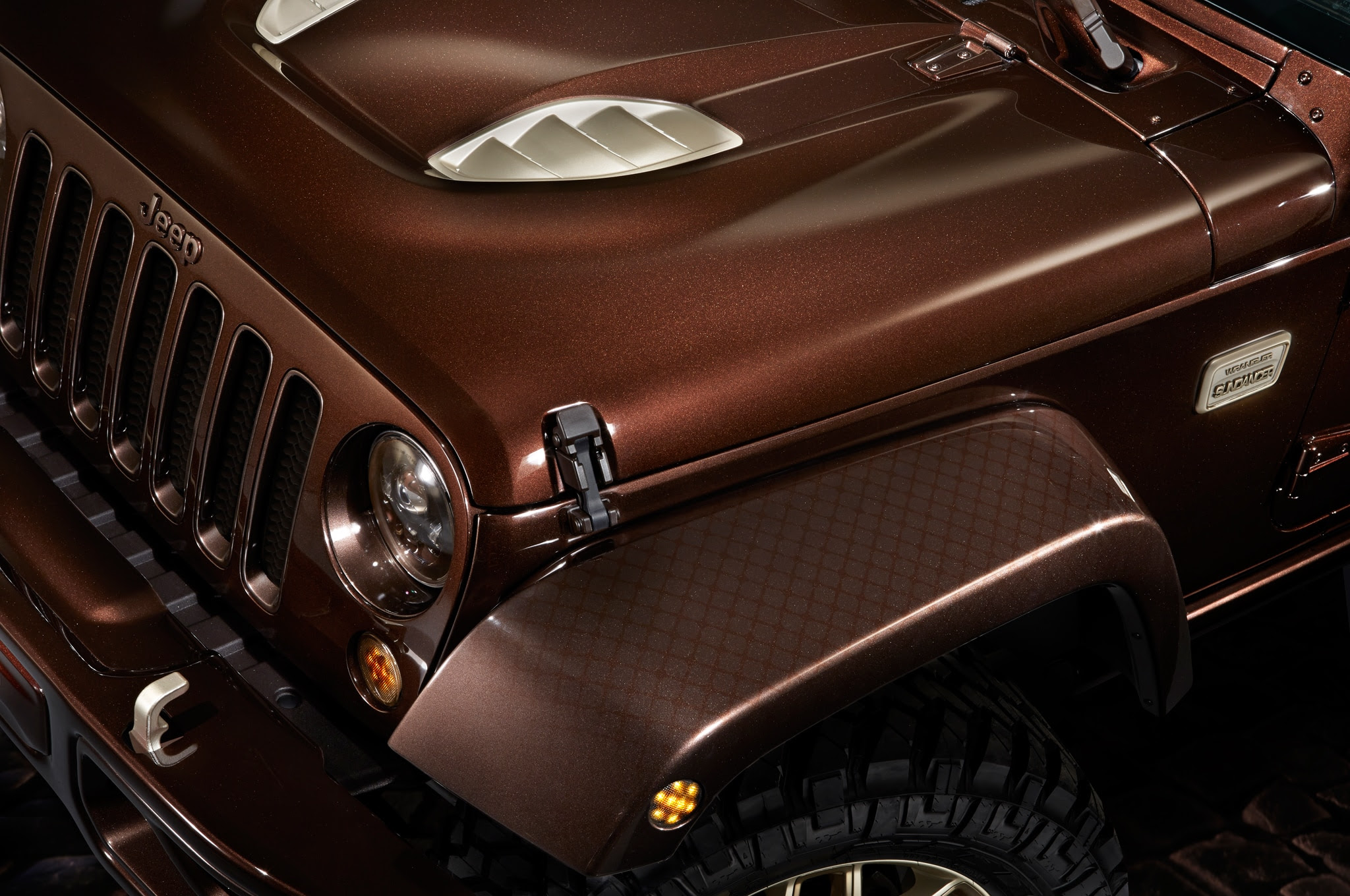 jeep to debut concept renegade cherokee and wrangler at