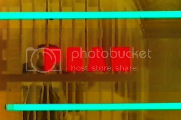 http://i347.photobucket.com/albums/p464/blogspot_images1/Joshila/PDVD_006.jpg