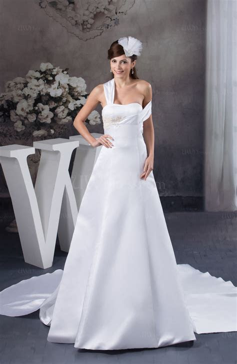 White Allure Bridal Gowns Sleeveless Low Back Amazing