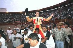 Enrique Ponce triunfa en Acho
