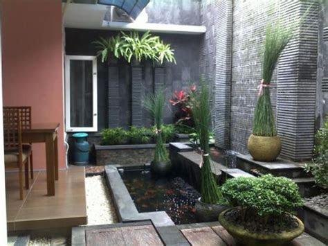 Taman dan kolam belakang rumah minimalis   Kumpulan Model
