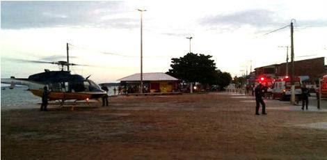 Helicópteros da SDS, viaturas dos Bombeiros, do Samu e embarcações foram enviadas ao local do suposto acidente / Foto: Álvaro Mello/reprodução do Facebook