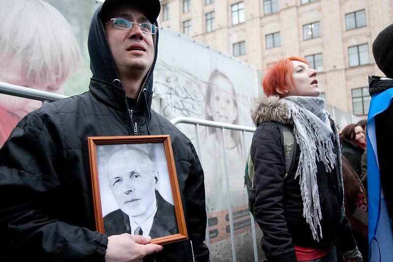 Александр Долматов на Триумфальной.