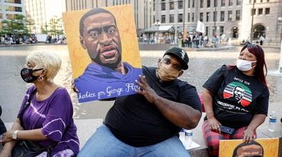 Акции в годовщину гибели Флойда проходят в Миннеаполисе и Нью-Йорке