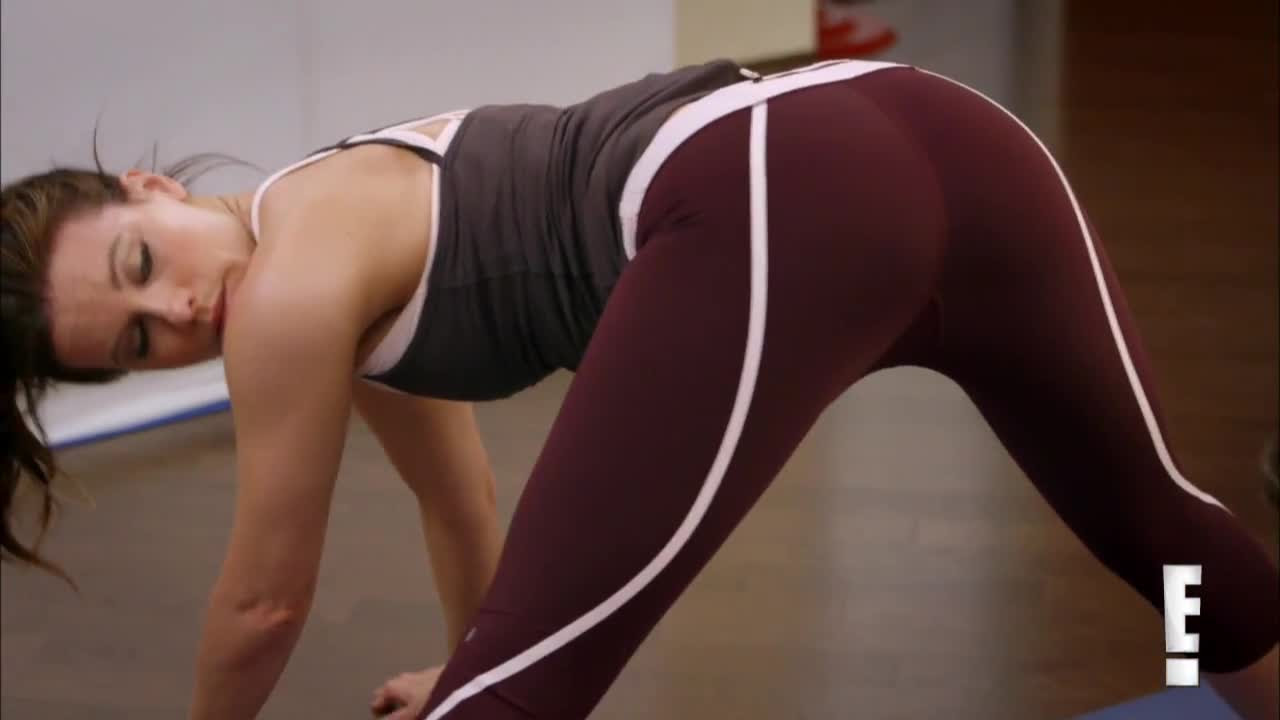 Kate Beckinsale Sexy Yoga Photoshoot, Kate Beckinsale Hot New Photoshoot, Kate Beckinsale Latest Sexy Photoshoot, Kate Beckinsale 2013 Photos, Kate Beckinsale at Her Sexiest