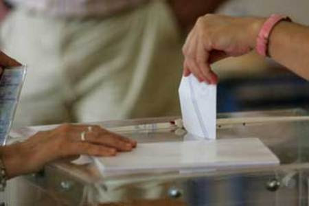 «Ψαλίδα» πάνω από 6% δείχνουν οι νέες δημοσκοπήσεις