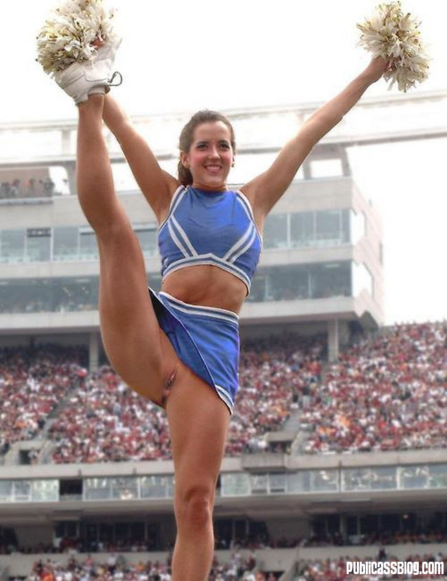 cheerleader upskirt porno