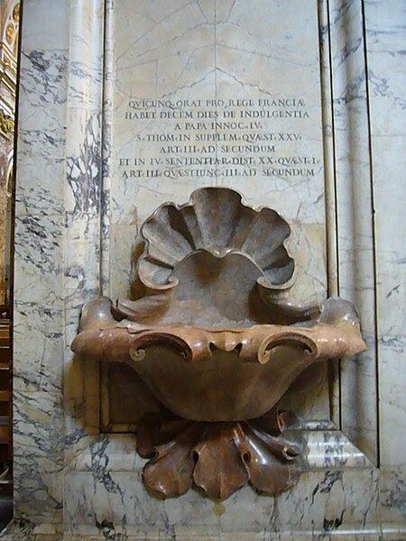 File:S Eustachio - s Luigi dei Francesi acquasantiera con indulgenza 1180184.JPG