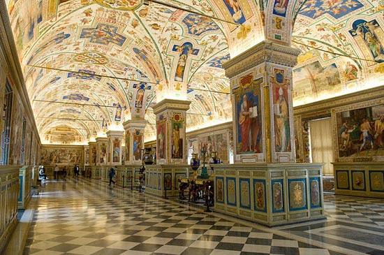 8 από τις πιο εντυπωσιακές βιβλιοθήκες στον κόσμο (7)