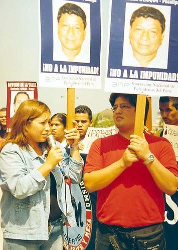 Hijos de periodista asesinado Alberto Rivera