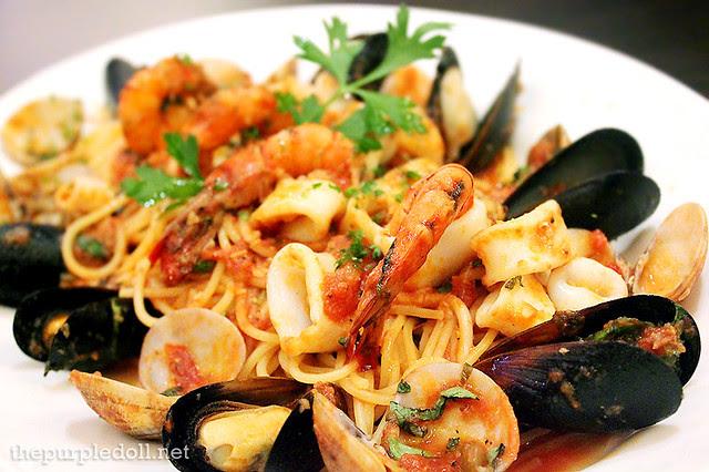 Seafood Cioppino P395 Lunch; P595 Regular; P895 Abbondanza