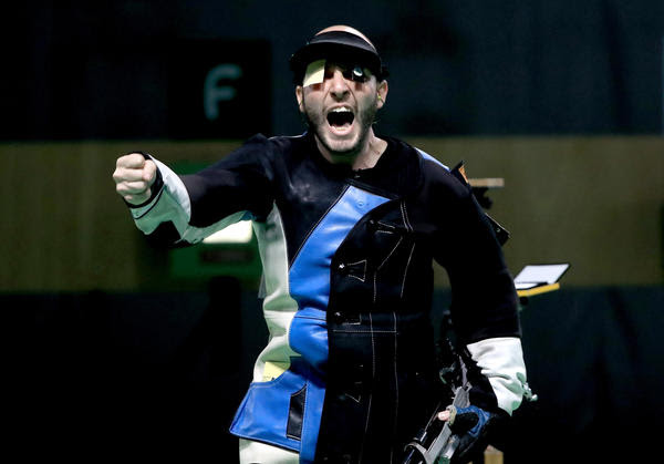 Niccolo Campriani reacts after winning gold in Rio. (Sam Greenwood / Getty Images)