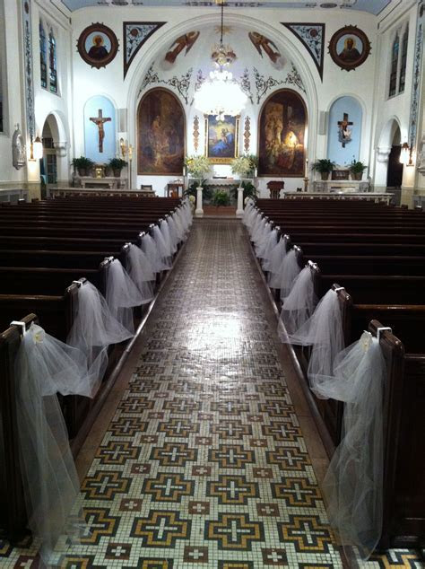 White and Gold Wedding. Church decor simple but elegant