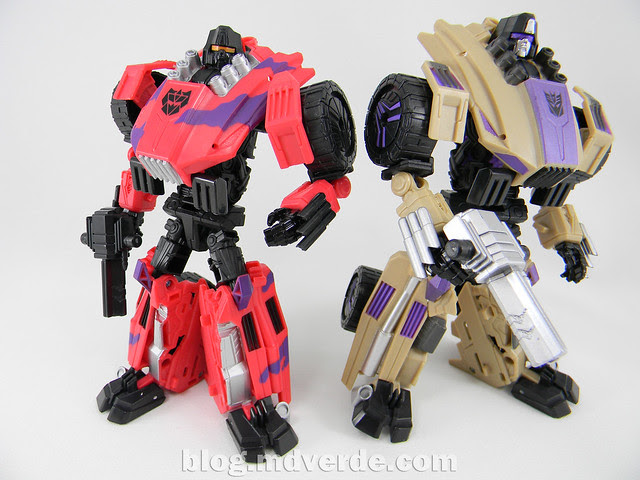 Transformers Swindlw Deluxe - G2 Fall of Cybertron - modo robot vs SDCC