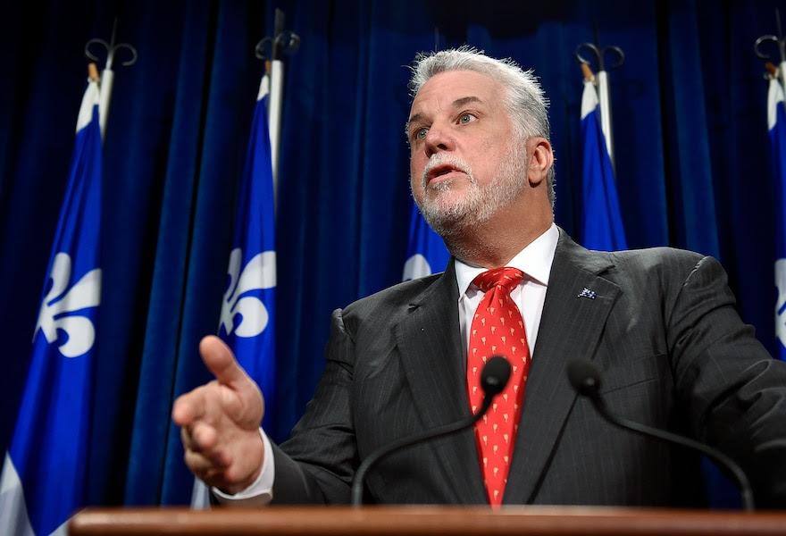 Le Québec est «enchaîné», affirme Philippe Couillard