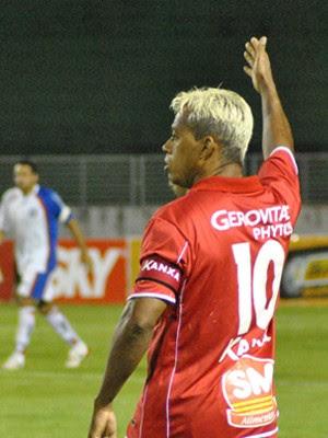 Marcelinho Paraíba é o maestro do Boa Esporte a caminho do G4 (Foto: Lucas Magalhães / EPTV)
