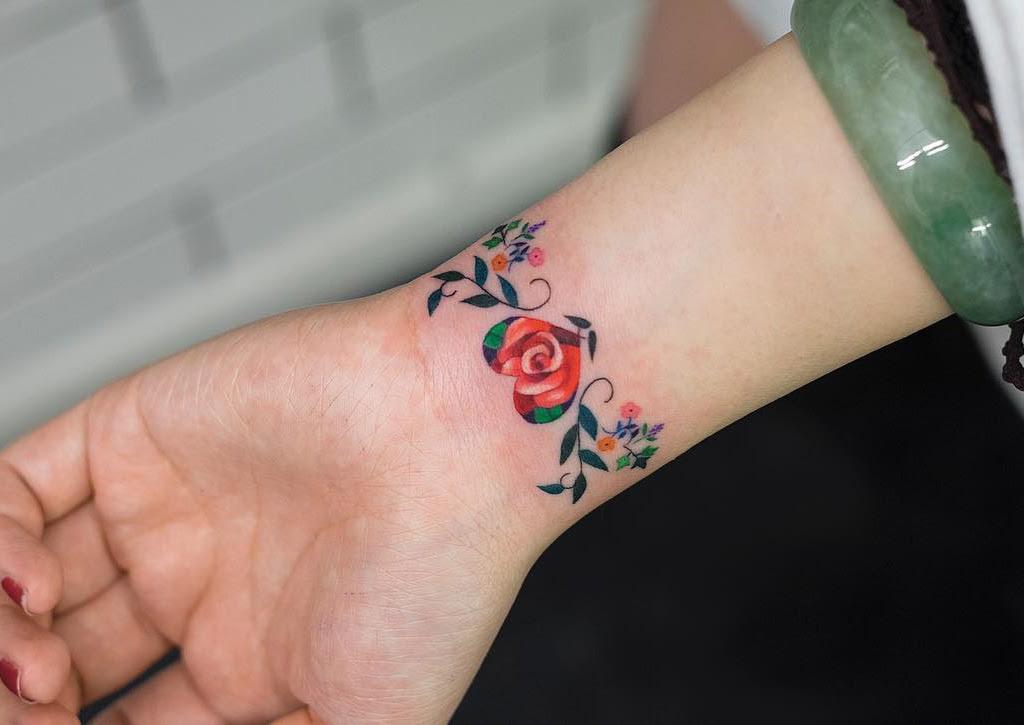 Floral Heart Bracelet On Girls Wrist Best Tattoo Design Ideas