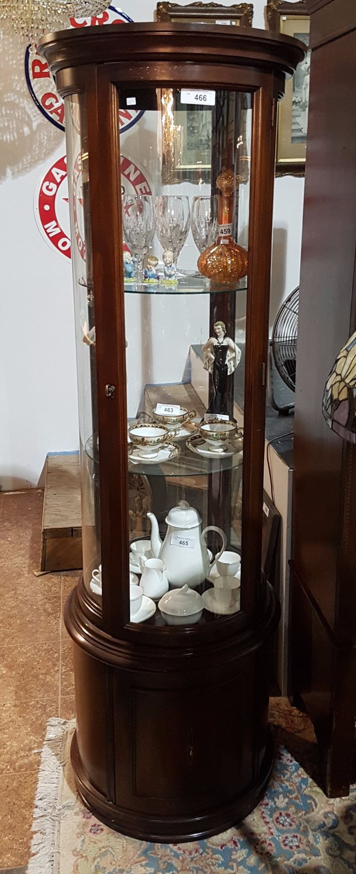 ROUND CURVED GLASS DISPLAY CABINET