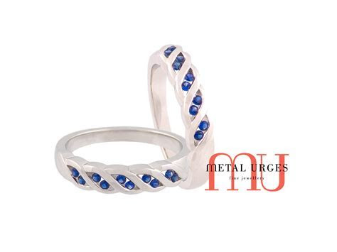Jewellers Hobart, Sapphire wedding rings with small
