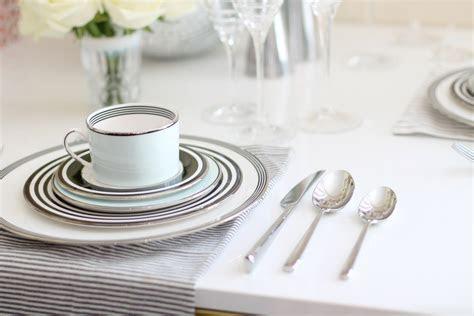 Wedding Registry Do: Registering for Fine China   Glitter