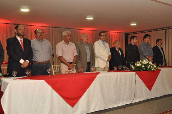 Em cerimônia realizada na sede social do América, Gustavo Carvalho tomou posse para seu segundo mandato como presidente rubro
