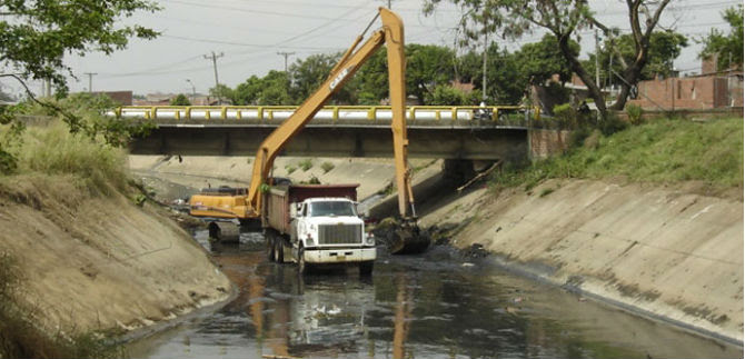 Emcali gestionará ante Gobierno Nacional entubamiento de canales en el oriente