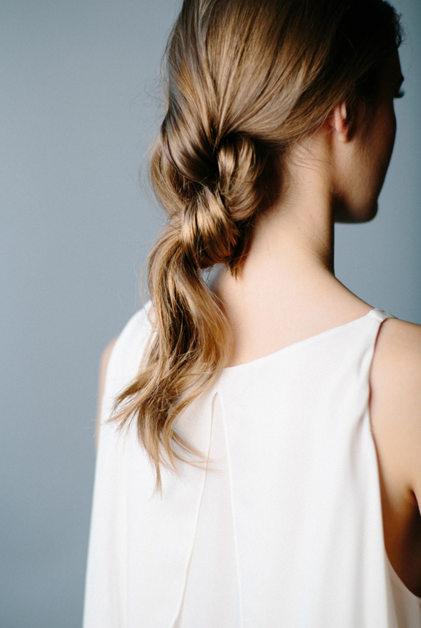 Le Fashion Blog -- 3 Stunning Knotted Ponytails -- Tutorial - DIY - How To -- Double Knot Hair Inspiration Via Once Wed -- Wedding Hair -- photo Le-Fashion-Blog-3-Stunning-Knotted-Ponytails-Double-Knot-Hair-Inspiration-Via-Once-Wed.png
