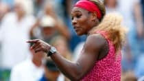Serena Williams shows off her flexibility with a stunning split in US Open 2015