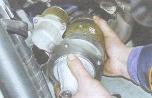 статья про снятие и установка стартера ВАЗ 2106