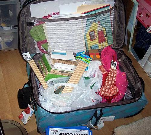 studio_suitcase
