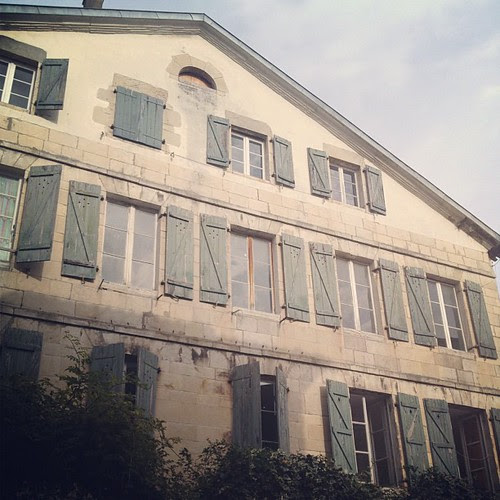 upload by la casa a pois