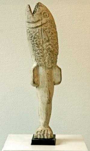 Mami Wata, scrimshaw Ewe, from Dettinger-Mayer Gallery, Lyon, ph.Bruno Montpied.jpg