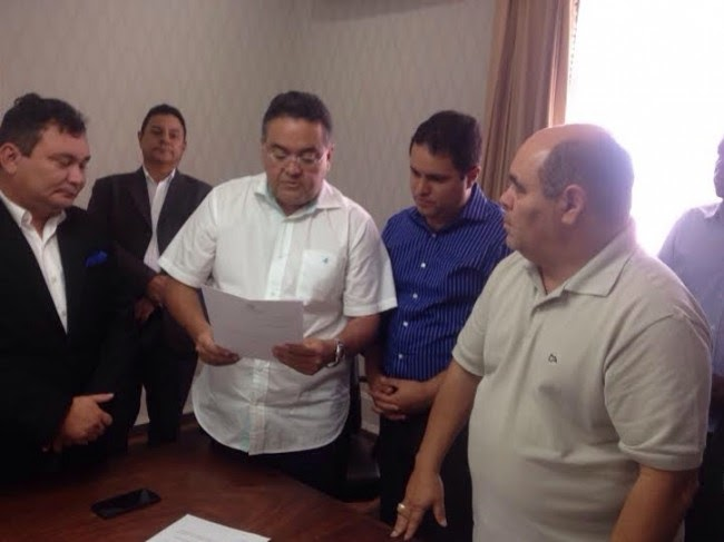 Roberto Rocha renuncia ao mandato de vice-prefeito