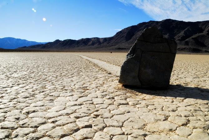 pedras-que-andam-vale-da-morte[1]