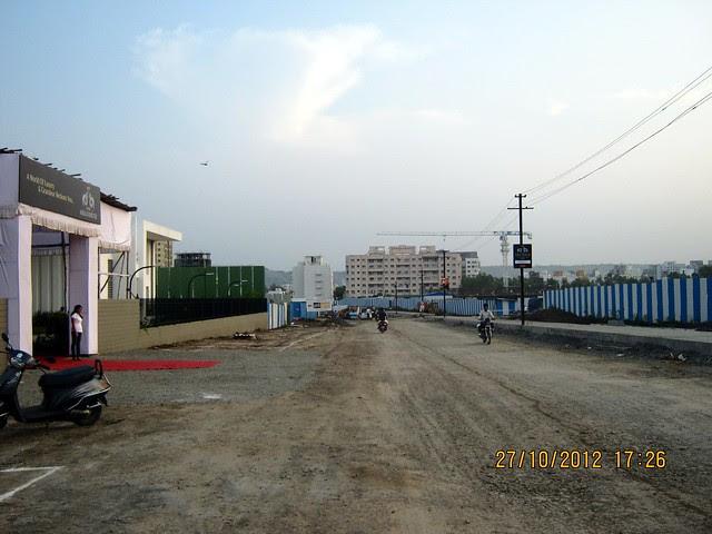 Under Construction 100 feet Baner Balewadi Link Road - Park Grandeur - 3 & 4 BHK Homes, Penthouse & Duplex on Baner Balewadi Link Road - Baner Pune 411045