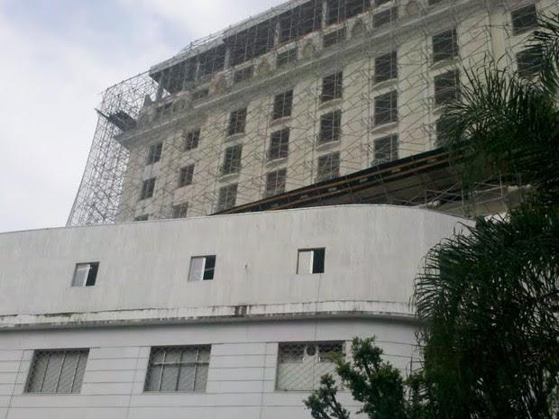 As reformas no prédio do antigo Hotel Glória (Foto: Lilian Quaino/G1)