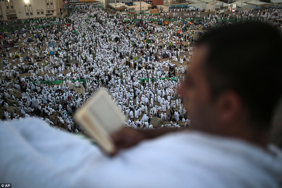 This year's gathering is about the same size as last year's, with 1.4 million foreign pilgrims joining hundreds of thousands of Saudis and residents of the kingdom