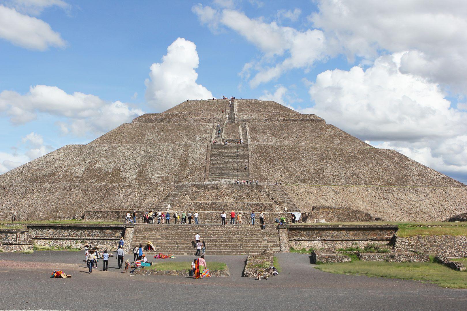 photo sunpyramid-mexico-piramidesdeteotihuacan-pyramids-mexico-teotihuacan-sun-beckermans_zpsd9b23732.jpg