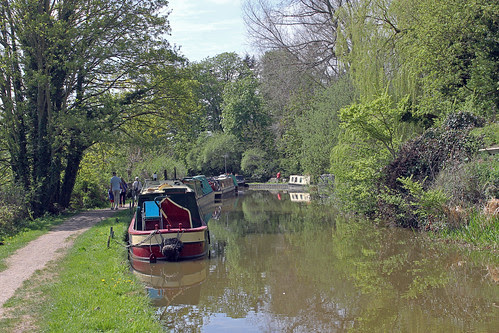 Narrowboats on Oxford Canal by TonyKRO