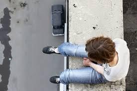 Se duplica el aumento anual del índice de suicidios tanto en hombres como en mujeres y en todos los grupos de edad por debajo de los 75 años