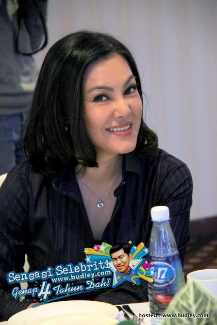Umie Aida