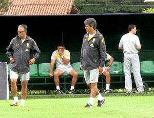 Ney Franco no comando do treino da seleção sub 20