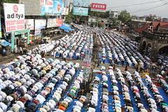 Khuda Ki Bargah Main SarJhukate Hain..Khuda Hamare Dilon Main Sama Jata Hain by firoze shakir photographerno1