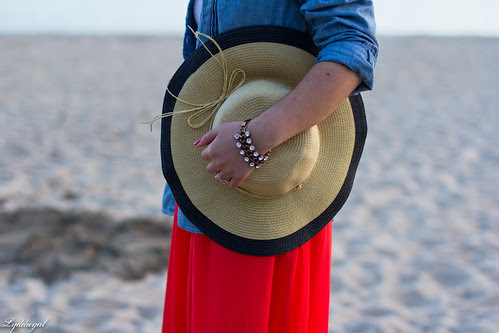 the floppy hat-6.jpg