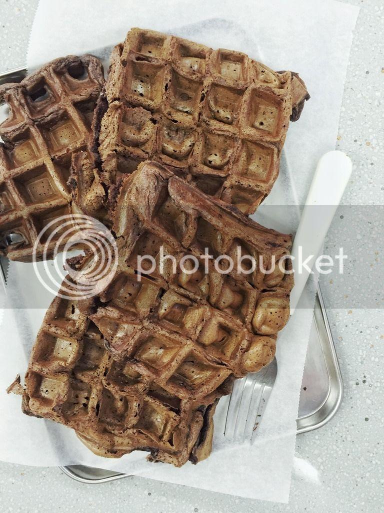 dessert / breakfast - chocolate honey waffles