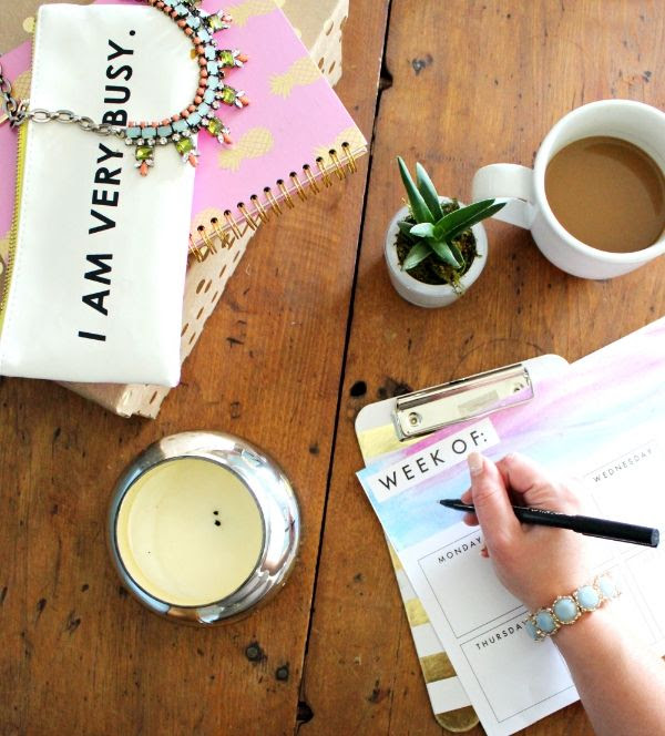 Plan your week with a pretty, printable weekly planner