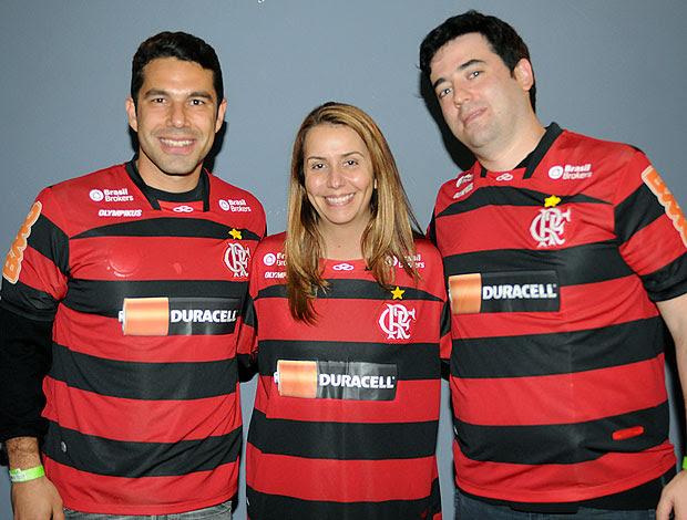 Patrícia Amorim posa com detalha na camisa do Flamengo (Foto: Fernando Azevedo / FlaImagem)