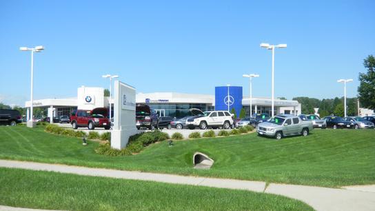 Mercedes-Benz of Des Moines car dealership in Urbandale ...