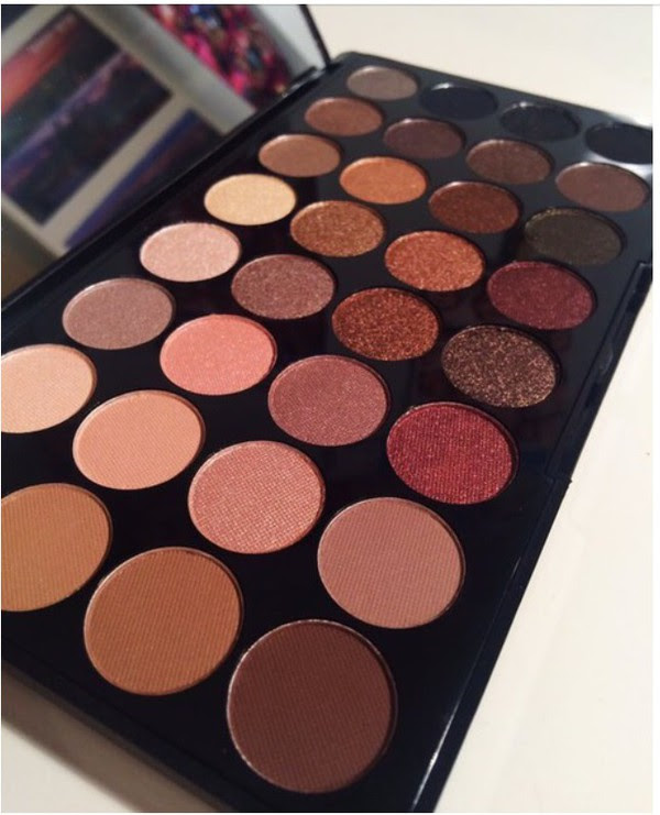 Makeup revolution flawless 2 palette